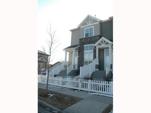 282 Elgin Wy Se - McKenzie Towne Row House for sale, 3 Bedrooms (C3417168) #1