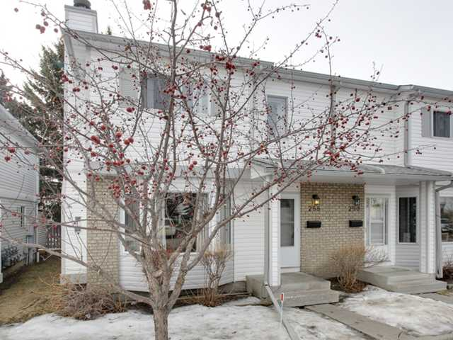 288 Cedarwood Pa Sw - Cedarbrae Row House for sale, 3 Bedrooms (C3604003) #1